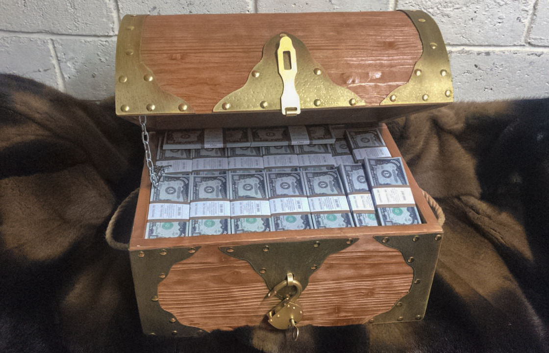 1000 American dollars Prop Money Pirate Chest