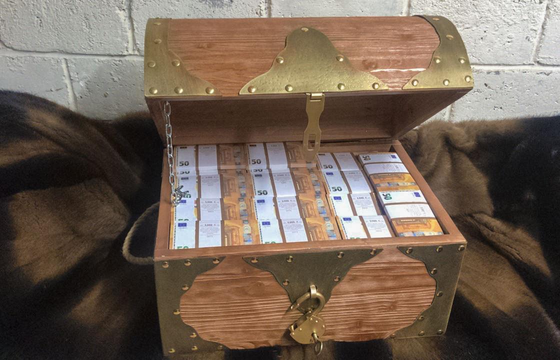 50 British pounds Prop Money Pirate Chest