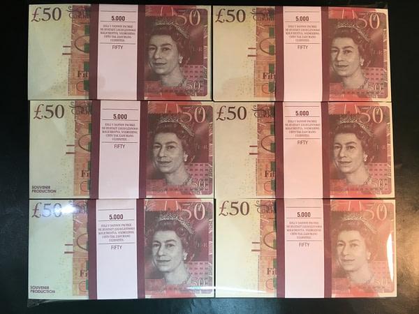 500 packs de faux billets de 50 livres sterling
