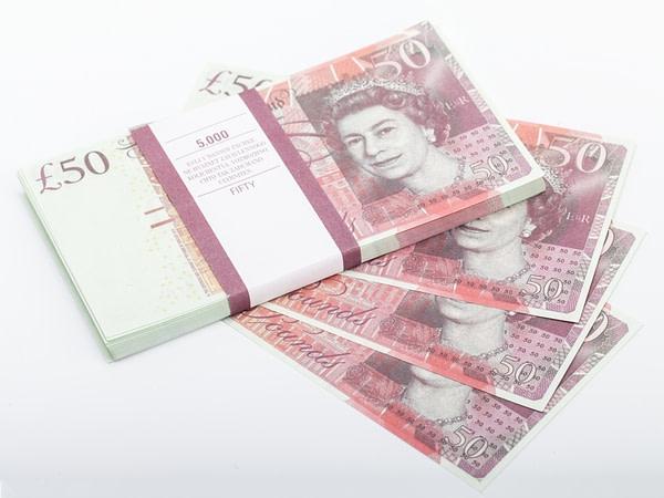 50 livres sterling faux billets