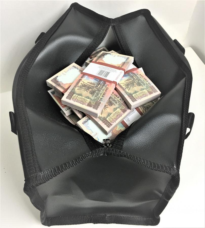 Sac d'argent 1000 roupies indiennes (100 paquets)