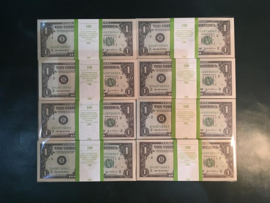 500 packs de faux billets de 1 dollar américain